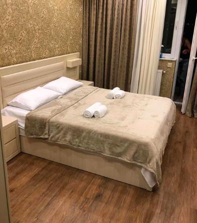 спалня по дизайн бежова